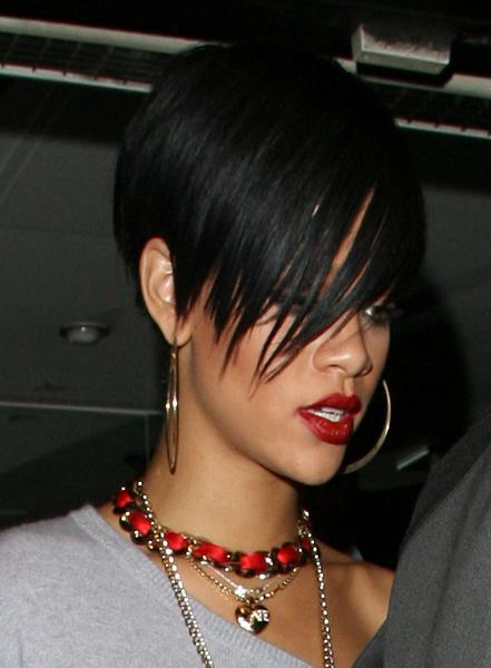"""Seriously McMillan's """"She So Ghetto"""" Rihanna2"""