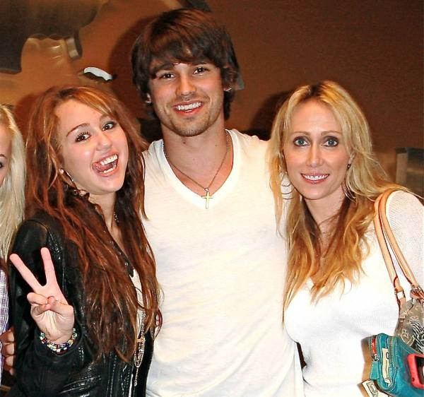 Miley Cyrus, Justin Gaston and Miley's Mom?