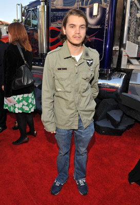 Emile Hirsh: Thrift Store Chic?